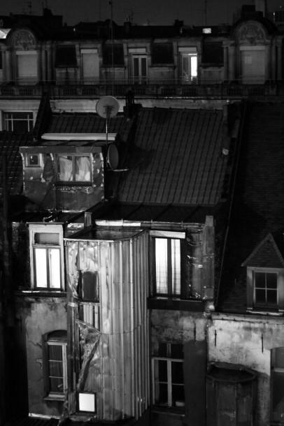 Photo rue bâtiment basse lumière Hors du temps