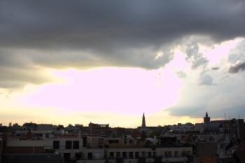 coucher de soleil ville mesure évaluative photo surexposée