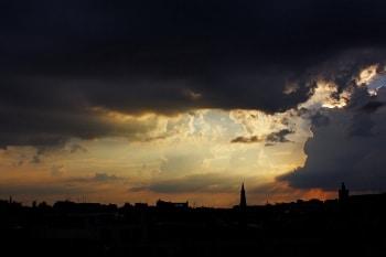 coucher de soleil ville mémorisation d'exposition photo