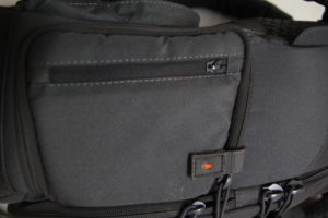 test sac photo Vanguard Skyborne 45 poche latérale