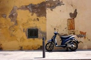 photo de rue art moto scooter
