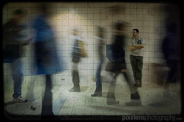 vitesse d'obturation mouvement couloir escalier foule personnes