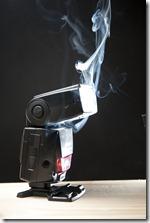 photo flash qui fume fumée