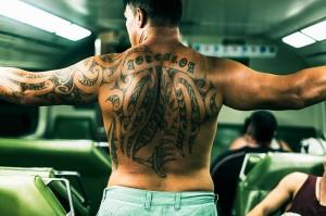 photo homme dos tatouage