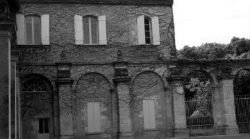 Photo bâtiment sous-exposée