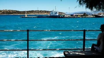 Agios Nikolaos, Crète (la saturation du bleu a été baissée !)