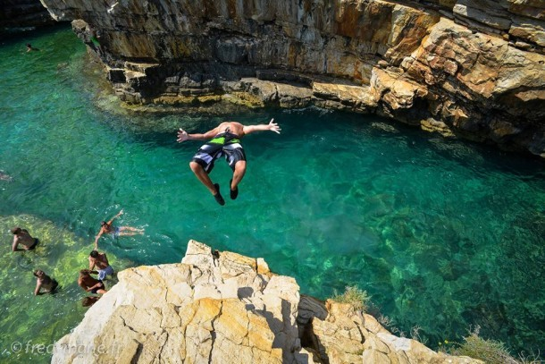 salto photo plongeoir rocher mer calanques