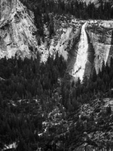 Yosemite Fall : 100mm, f/4, 1/1000, ISO 200