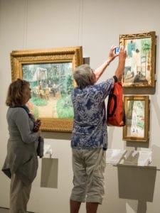exposition tableaux peintures prendre photo
