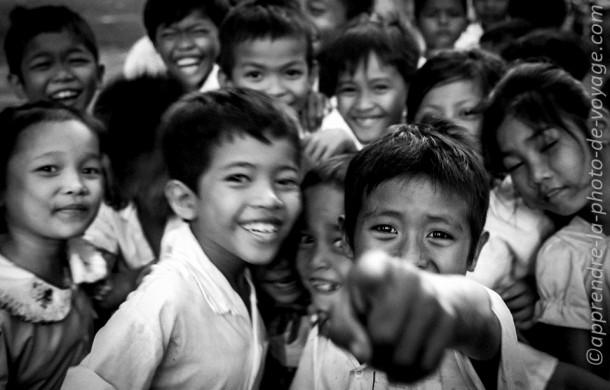Cambodge Cambodge photo de voyage enfants village noir et blanc