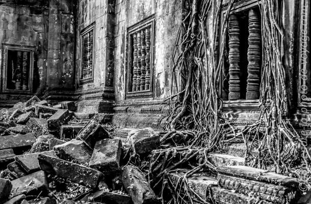 photo voyage ruines noir et blanc
