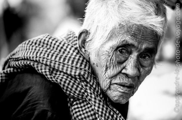 photo Noir et Blanc photo voyage femme âgée