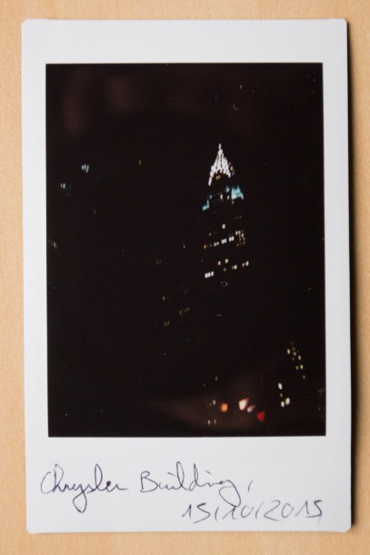 Chrysler building photo instantanée Fuji Instax Mini 90 photo de nuit