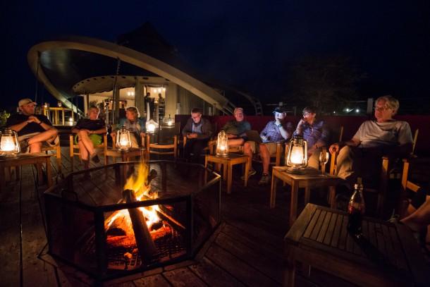 kenya savane safari feu de camp photographes