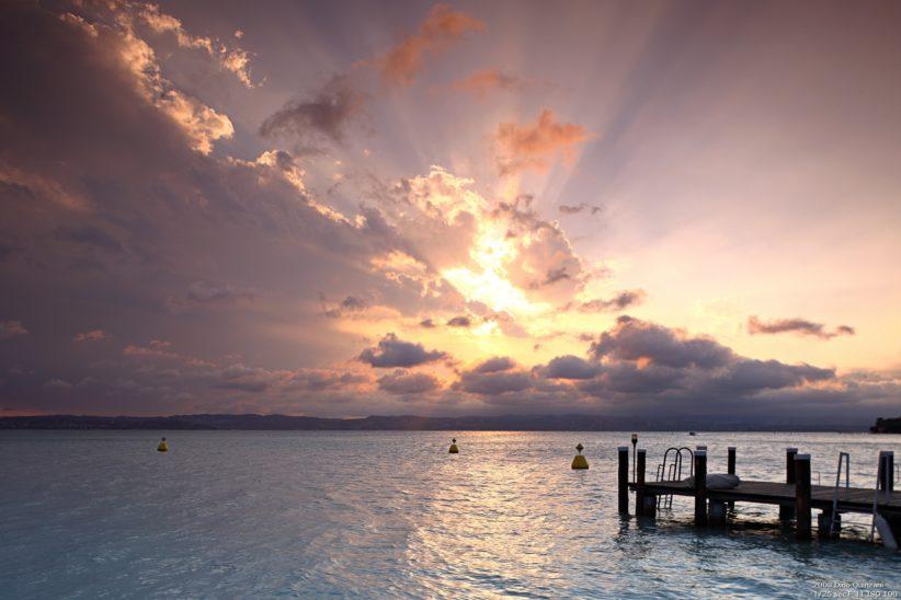 Exemple d'horizon rectiligne en bord de mer